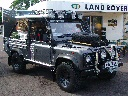 Lara Croft Tomb Raider Land Rover 1024 x 768